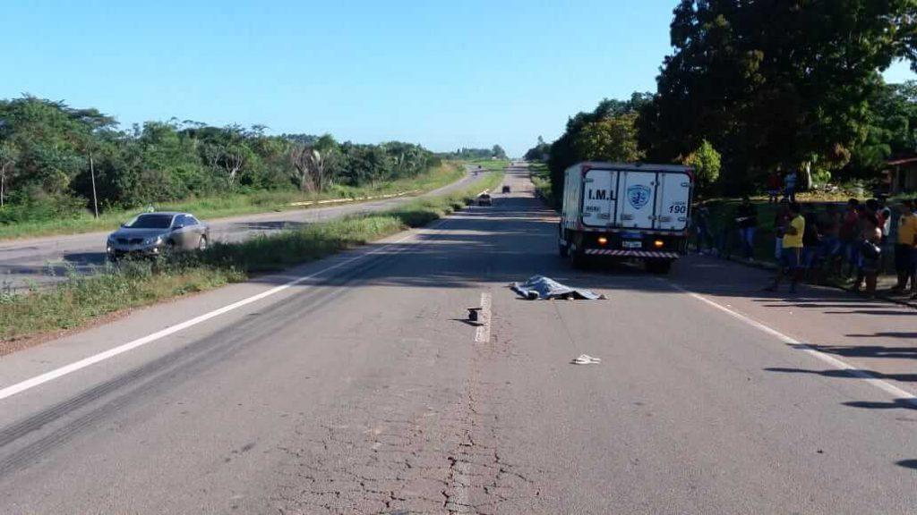 Ônibus da Guanabara atropela e mata pedestre na BR-135 em Bacabeira